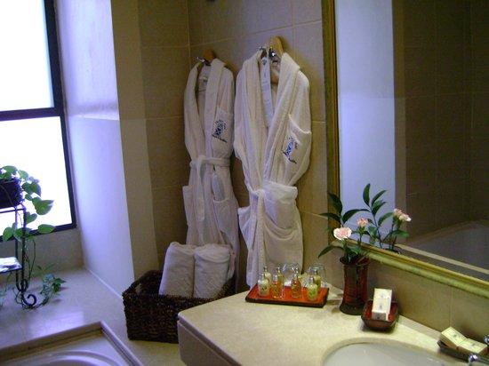 Scots Hotel: baño