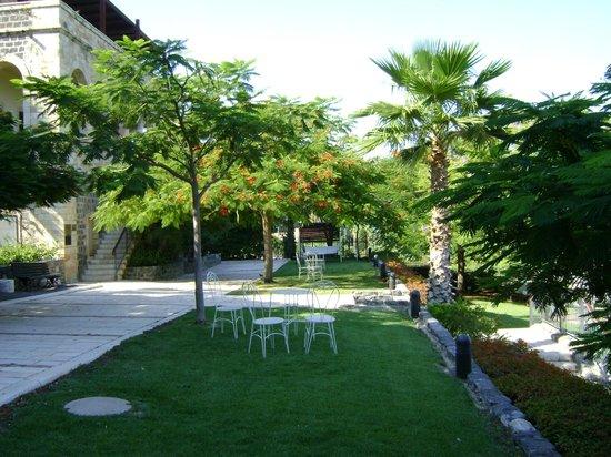 Scots Hotel: jardin