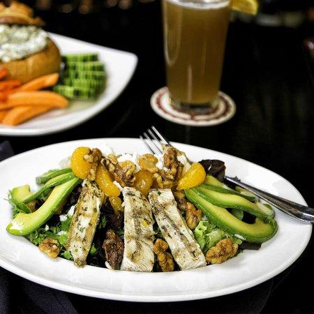 Naggy McGee's Irish Restaurant and Pub : Naggy's Pub Salad