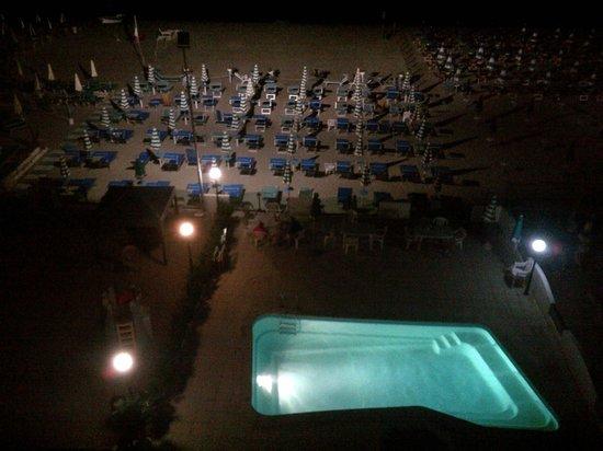 Hotel Internazionale: Spiaggia di notte