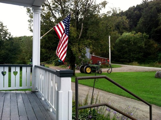 Liberty Hill Farm Inn: front porch