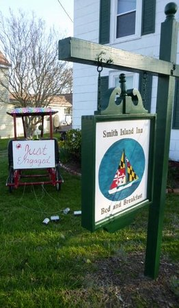 """Smith Island Inn: The inn and wonderful """"just engaged"""" sign the kids made for us"""