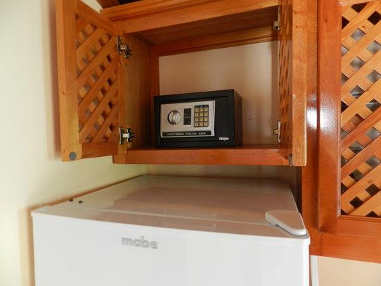 Colinda Cabanas: Digital In-Room Safe