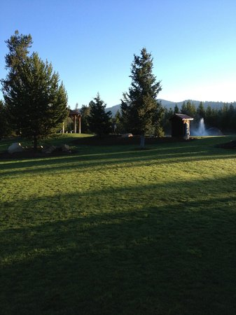 Bear Creek Lodge: Sunrise on Wedding Day - and it only became more lovely!