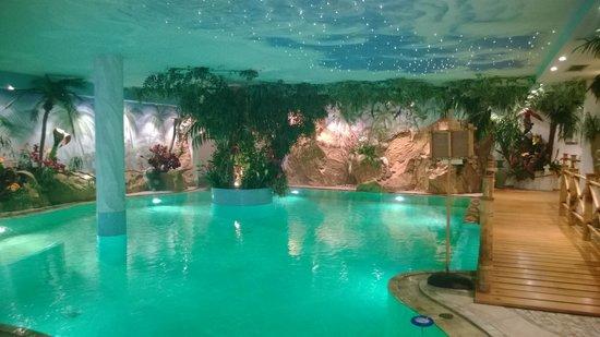 Luxury DolceVita Resort Preidlhof: Laguna blu :)