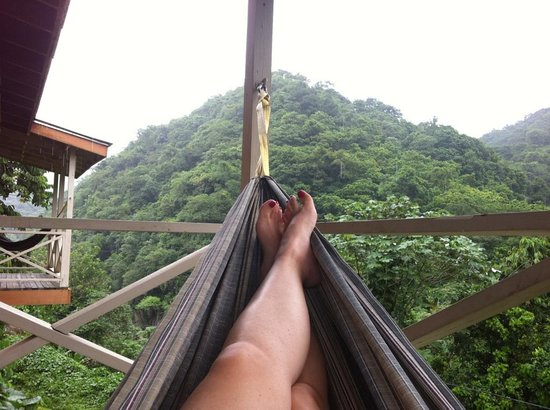 Casa Grande Mountain Retreat: relaxing on the hammock