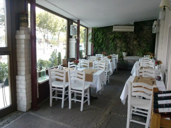 Hotel Daphnis: Dining room