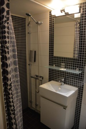 Malardrottningen Yacht Hotel and Restaurant : salle de bains