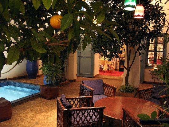 Riad Sekkat: le patio le soir
