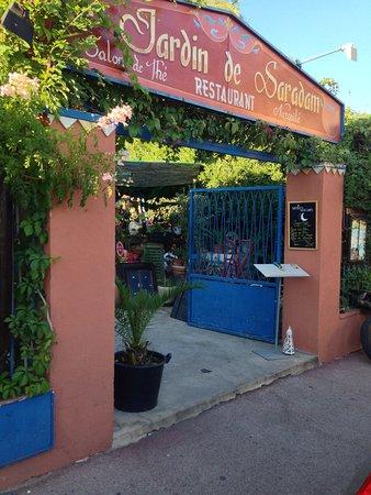 restaurant le jardin de saradam dans hyeres avec cuisine m diterran enne. Black Bedroom Furniture Sets. Home Design Ideas