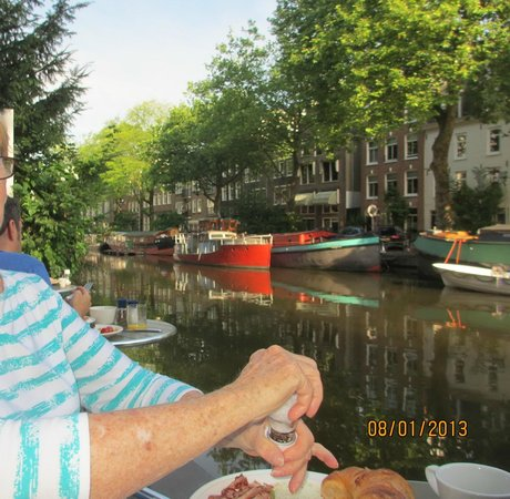 """The Amsterdam Canal Hotel: breakfast on the """"gracht"""""""