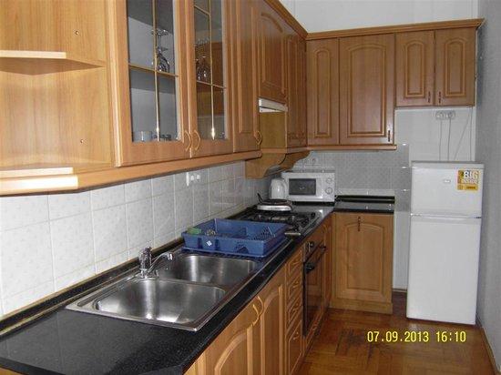 Baross City Hotel: Kitchen