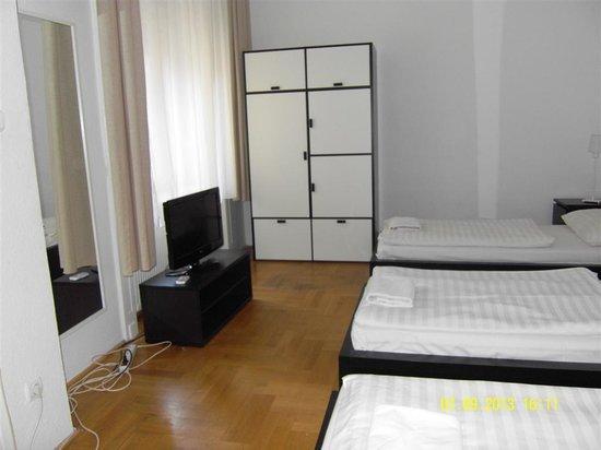 Baross City Hotel: Room from inside