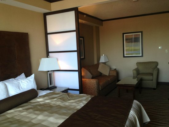 Best Western Premier Denham Inn & Suites: King Suite-Room 236