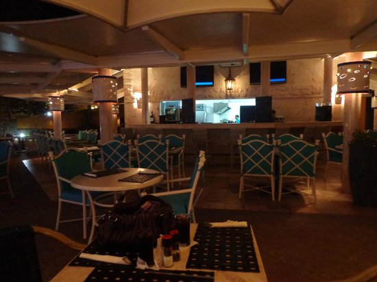The Royal Sea Aquarium Resort: resort restaurant