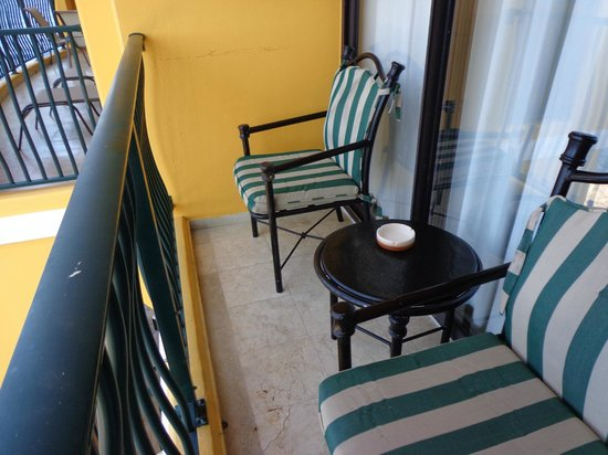 The Royal Sea Aquarium Resort: balcony