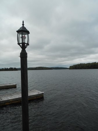Domaine du Lac Taureau -  TEMP CLOSED - reopen date unknown - burnt 11 November 2016: Vue du ponton