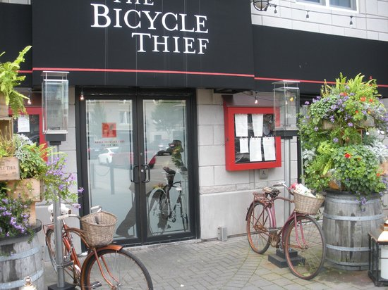The Bicycle Thief: The entrance door