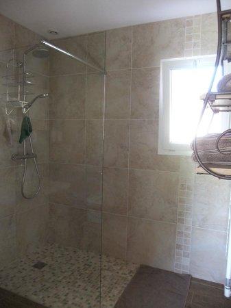 La Haute Muraille : douche Authentique
