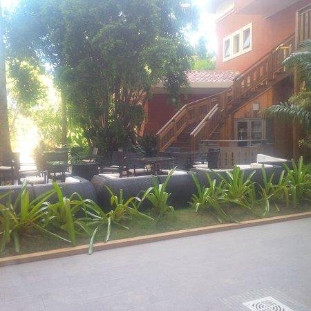 Occidental Royal Oasis : Terrace area