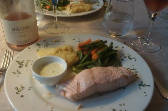 Hôtel Restaurant Le Sauvage: Zalm als hoofdgerecht