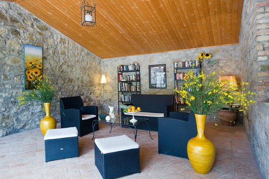 Agriturismo I Pianelli: Library and Reading Room