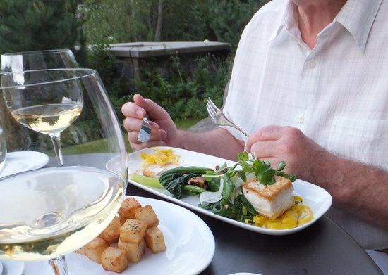 Nita Lake Lodge : Delicious, very fresh fish dish.