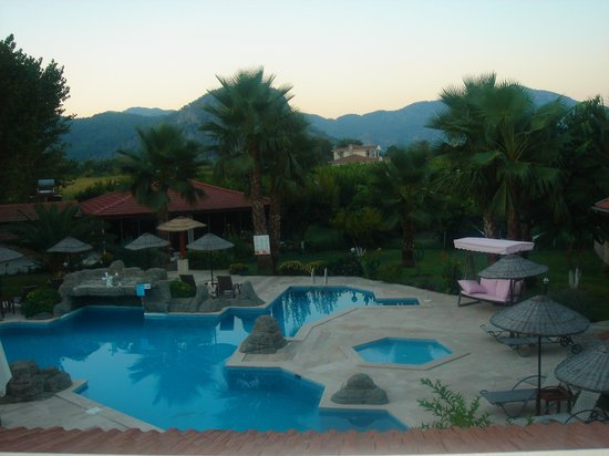 Hotel Grenadine Lodge: view from my bedroom window
