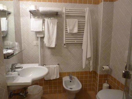 Hotel Angedras: Baño 1
