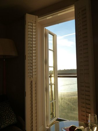 Braye Beach Hotel: Sea view room