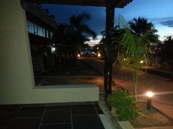 Eden Beach Resort: ´s Avonds