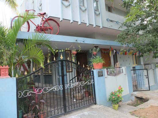 Mysore Bed and Breakfast : Maison et son entrée