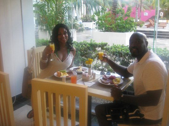Grand Oasis Palm: Breakfast at Del Norte