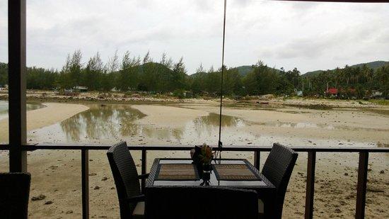 Loyfa Natural Resort: la spiaggia su cui affaccia il ristorante