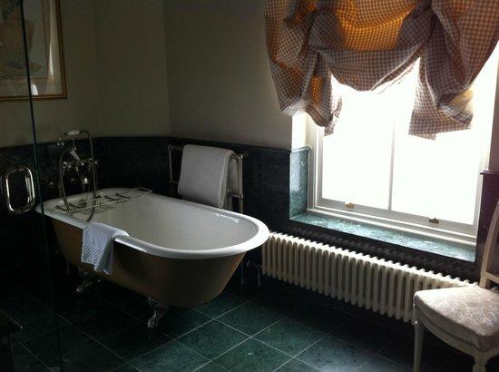 The Vineyard Hotel & Spa: bathroom
