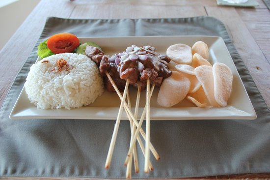 Kubu Indah Dive & Spa Resort: Chicken satay from the restaurant