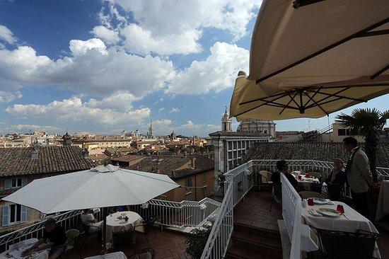 Hotel Raphael: Rooftop Terrace