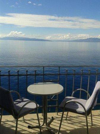 Hotel Jadran: balcone camera
