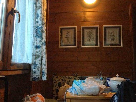 La Casa Nel Bosco: Decorazioni soggiorno