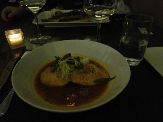 Highpoint Bistro & Bar: Entree/Salmon fish