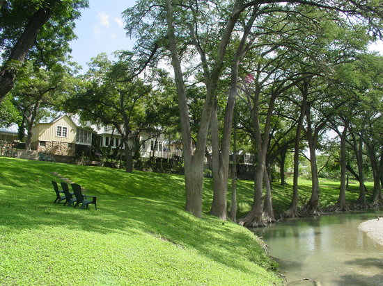 Meyer Bed and Breakfast on Cypress Creek: Relax on the banks of the Cypress Creek