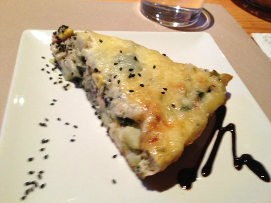 Xalet Refugi Pere Carné: Delicious vegetable quiche for supper