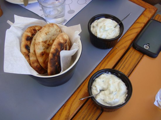 Kazarma : pita bread and tzatziki