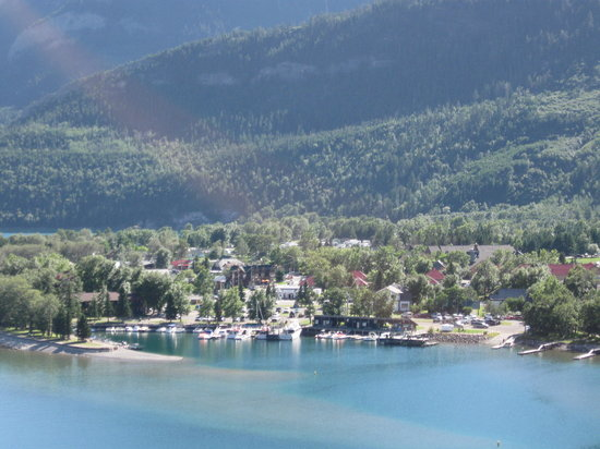 Parque Nacional de los Lagos Waterton, Canadá: Warerton Village from Prince of Wales