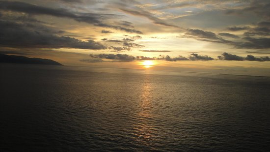 Costa Sur Resort & Spa: Sunset view from room