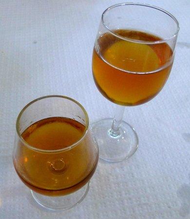 Rio Homem Pensao Restaurante: Rio Homem Brandy and Moscatel