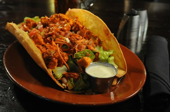 Industrial Revolution Eatery & Grille: Buffalo Chicken Salad Bowl