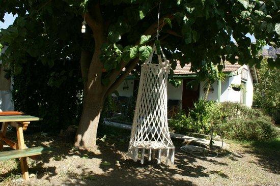 Hane-i Keyif: dut ağacı ve salıncak