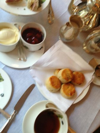 Brown's Hotel : Afternoon High Tea