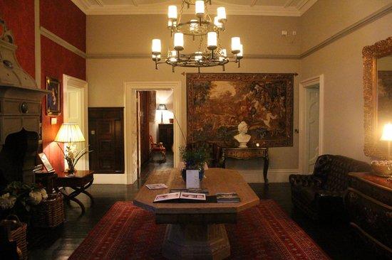 Chateau Rhianfa: lobby